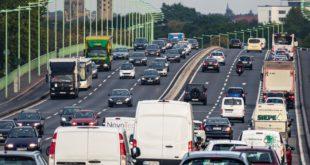 Strassenverkehr 310x165 - Kölner Flitzer: Seit 1949 Transport- und Logistikdienstleistungen auf höchsten Niveau